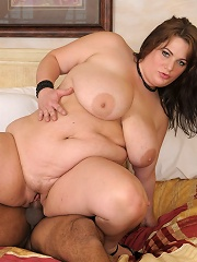 She first shows off her natural big boobs and fat belly. Her big round bubble butt ass gets slapped up and jiggles for your enjoym